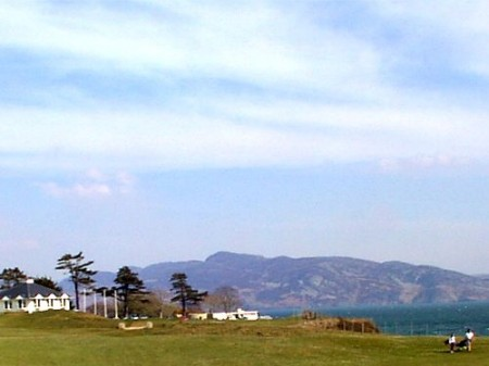 Glenalla Lodge B&B Rathmullan, Co. Donegal, Ireland is in an area with  excellent golf & fishing facilities